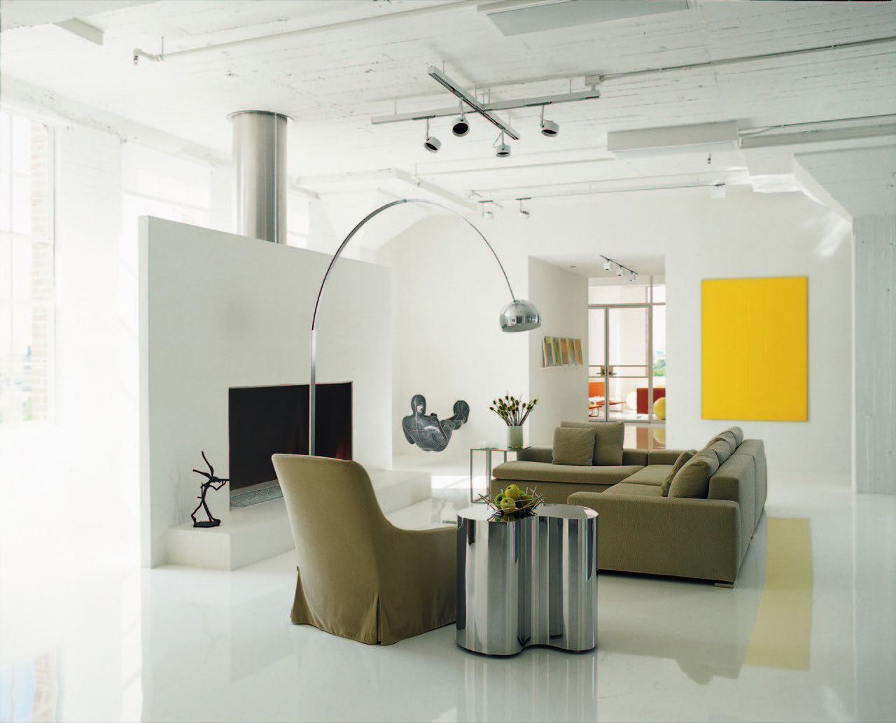 Gallery of Collector's Loft / Poteet Architects - 2