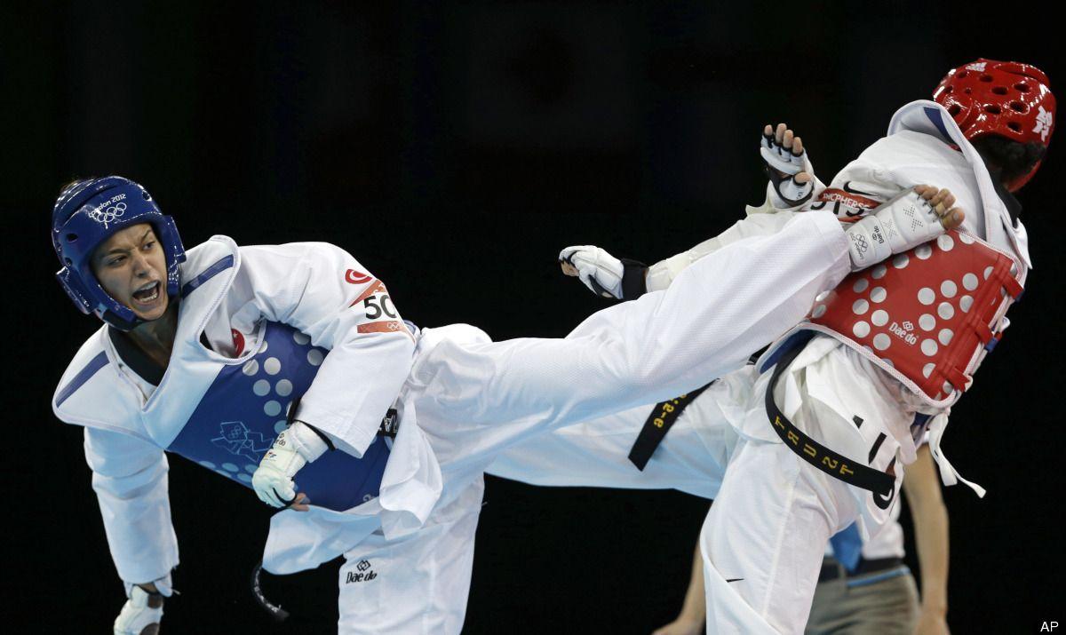 Turkey's Nur Tatar fights United States' Paige McPherson