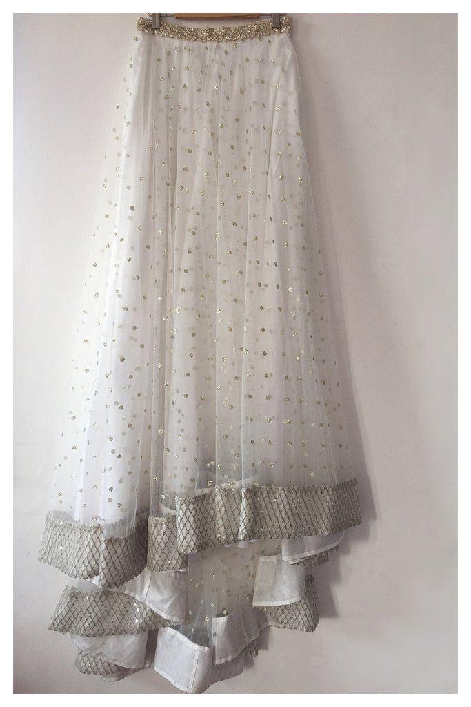 2fce7d119d16f1 Assymetrical net skirt with pearl