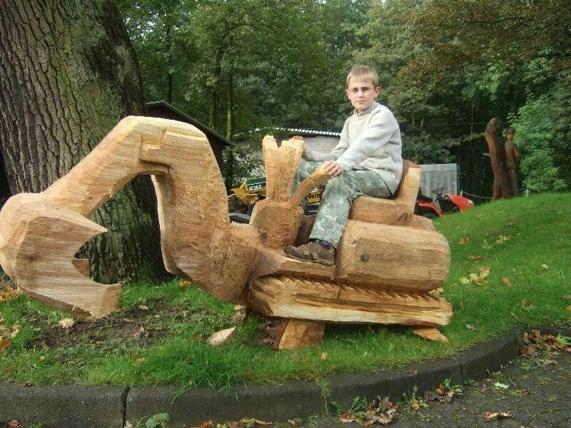 chainsaw tractor holz schnitzen kettens ge objekte. Black Bedroom Furniture Sets. Home Design Ideas