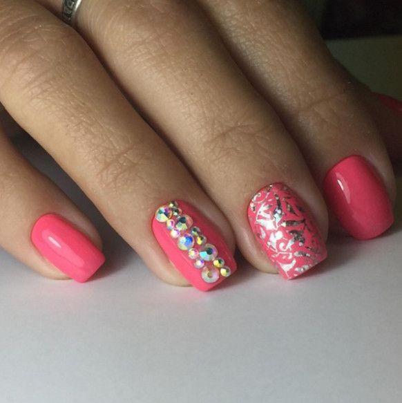 Short Nail Art Pink Rhinestones