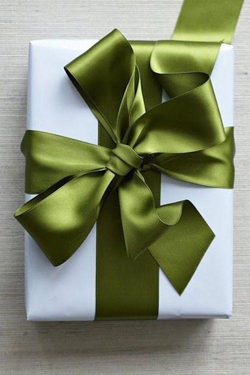 Thick satin ribbon GIFT WRAPPING INSPIRATION - Design Darling