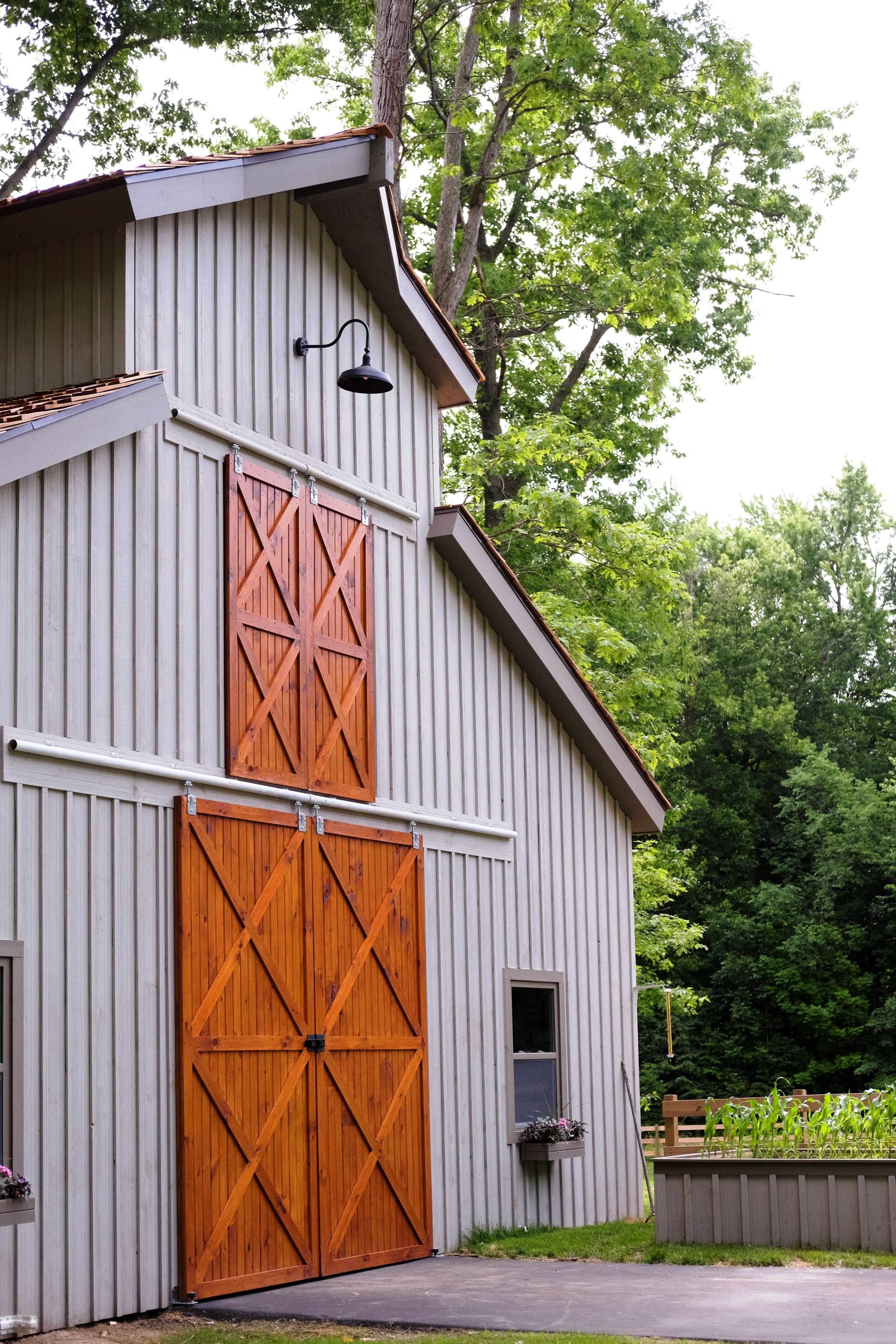 Monitor Barn By Beam Barns Farmhouse Exterior Exterior Barn Doors Pole Barn Homes