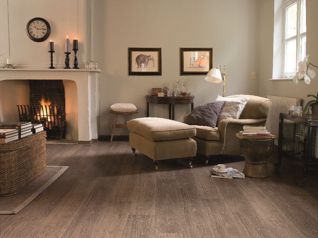 How to choose the ideal living room floor Oak laminate