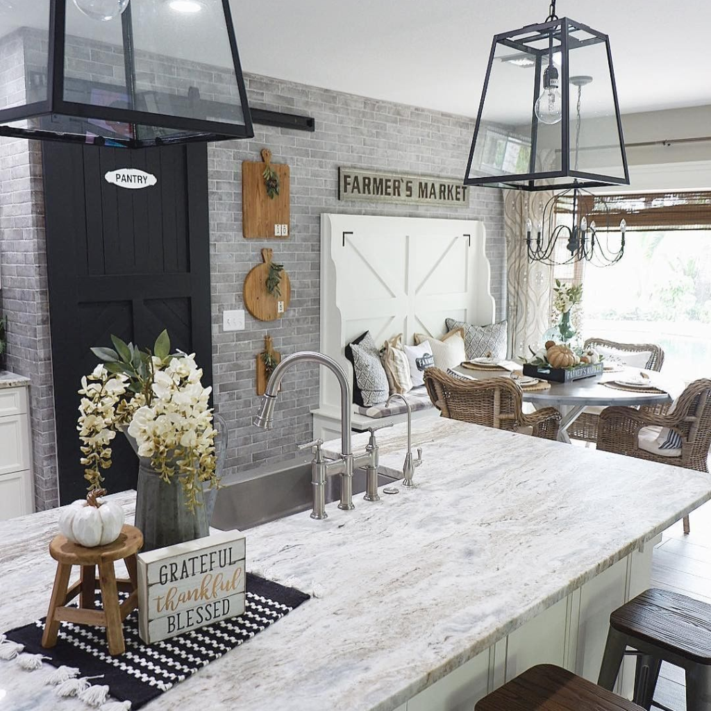 What's your favorite detail in this magnificent kitchen ...