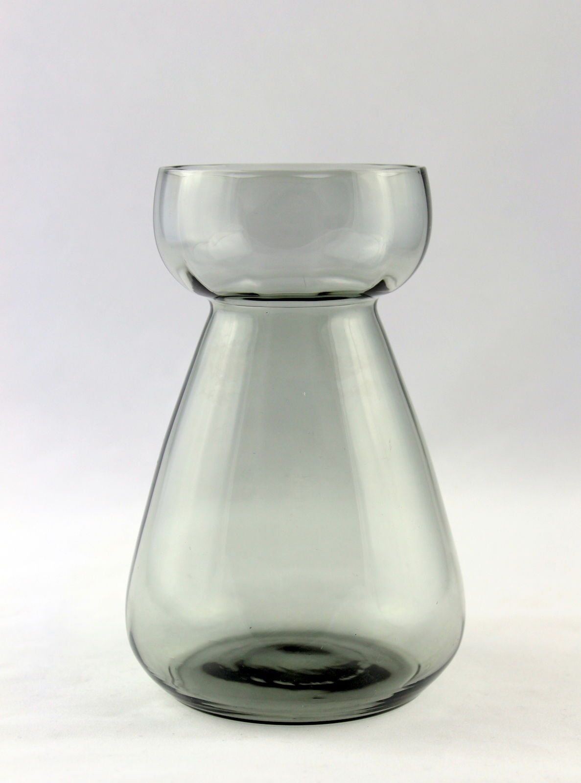 altes hyazinthenglas, vase grau, feines glas, vintage in