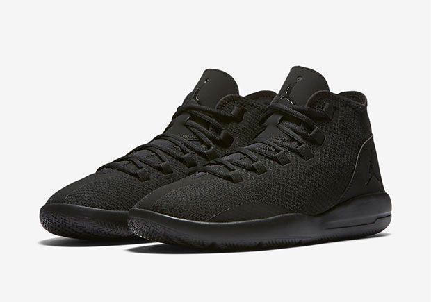intagliare Trattato ufficiale  Jordan Reveal Triple Black 834064-020 | SneakerNews.com | Jordans for men,  Sneakers, Jordan reveal