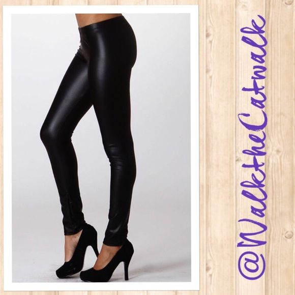 c85779afcae5e5 Large Vegan Leather Leggings Matte faux leather leggings with an elastic  waistband. ⭐️90%