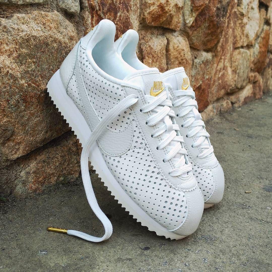 00b90b7d Nike Cortez Classic Prm QS