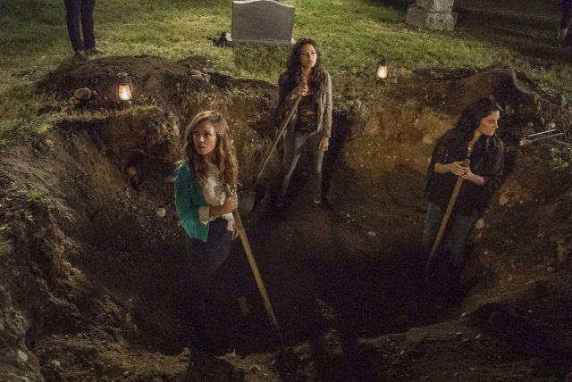 Titles: Witches of East End, Marilyn Fenwick, R.I.P.                        Names: Julia Ormond, Rachel Boston                        Charac...