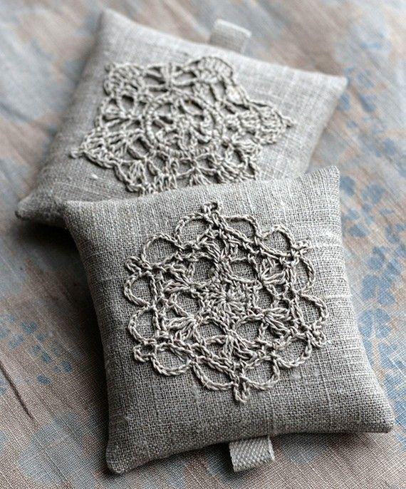 lavender sachets crochet motif set of 2 lavendel pinterest h keln lavendel und n hen. Black Bedroom Furniture Sets. Home Design Ideas
