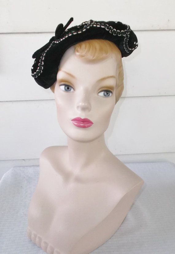1950s Vintage Black Velvet Tilt Beret Hat with Rhinestones