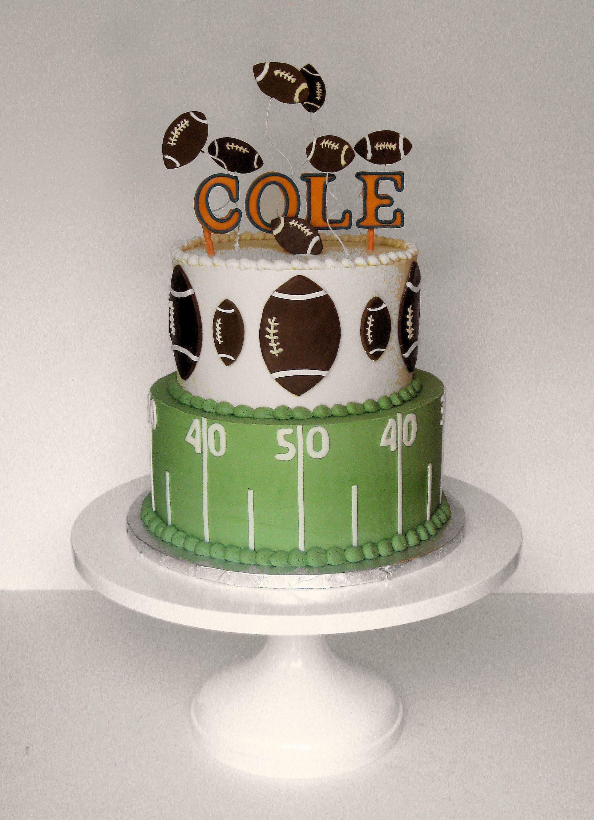 Bears Football Cake By Wendy Debord Decorated Cakes By