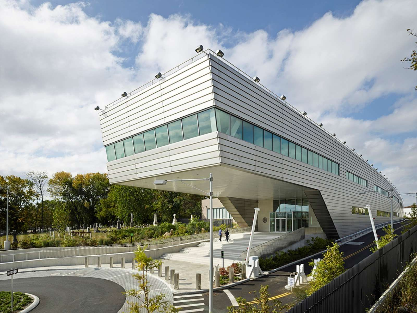 121st Police Precinct Station House By Rafael Vinoly Architects Police Precinct Architect Architecture