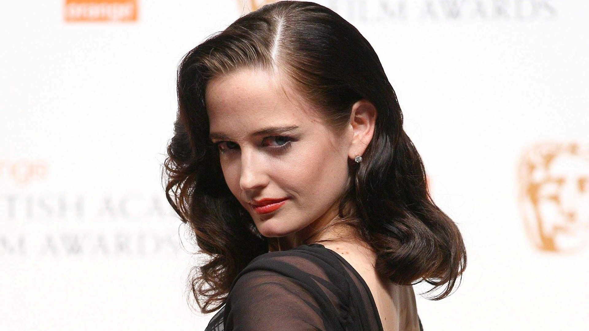 Famous French Hollywood Actress Eva Green In Black Hd Wallpaper Actress Eva Green Hollywood Actress Wallpaper Eva Green