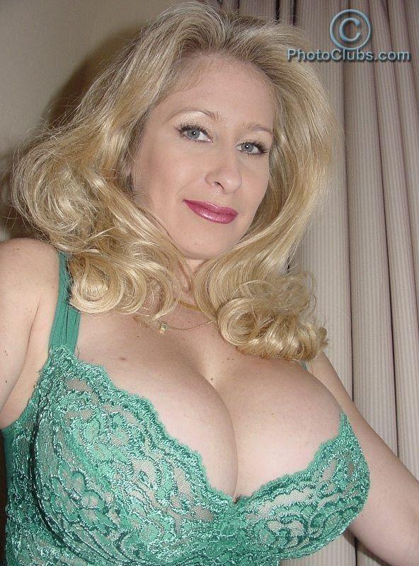 Xxx older women with big boobs