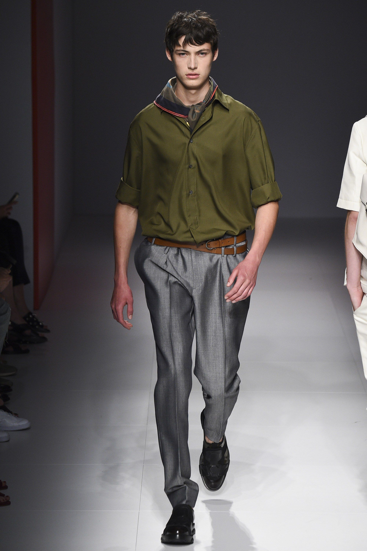3179bfa8ac6b Salvatore Ferragamo Spring 2017 Menswear Collection Photos - Vogue Runway  Fashion