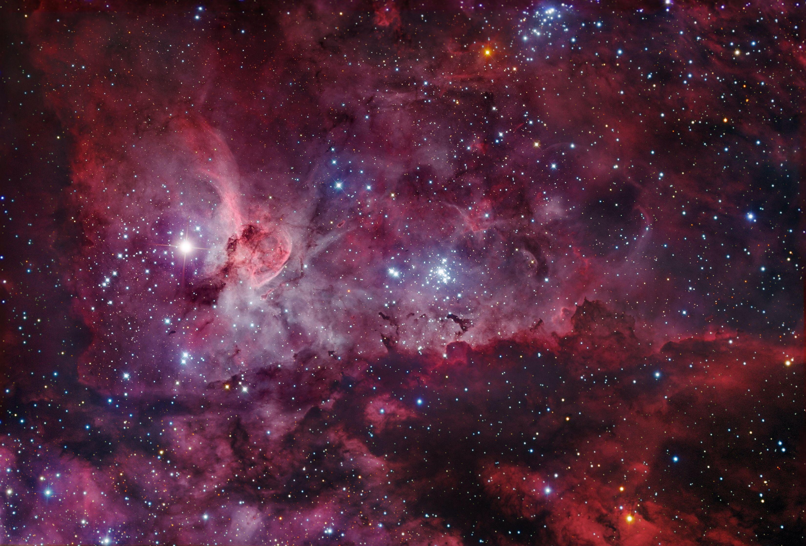Image from http://apod.nasa.gov/apod/image/1106/NGC3372_gendlerhannahoe.jpg.