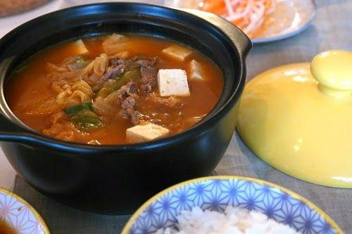 Lizasmatverden-Livet med tre store og en liten: Kimchi jjiggae, koreansk kimchigryte