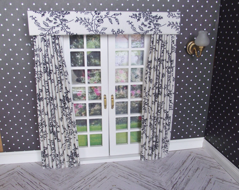 Fantastisch 01:12 Miniatur Puppe Haus Vorhänge Drapiert Mit Geraden Profilkranz Für  Französisch/Terrasse Türen