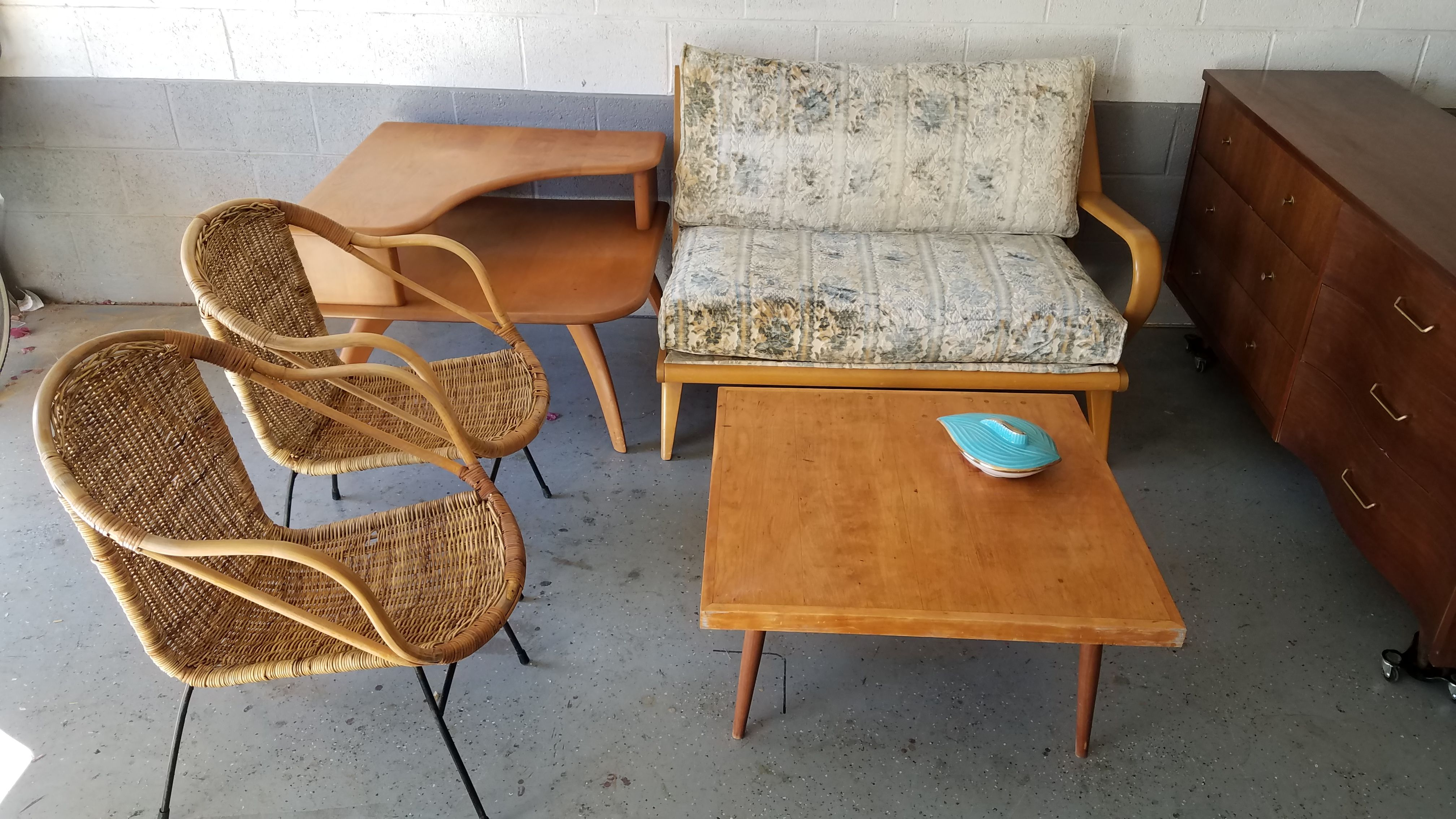 Heywood Wakefield Sofa And Corner Table Paired With Arthur Umanoff Chairs Available On Phoenix Craigslist Mid Century Furniture Corner Table Chair