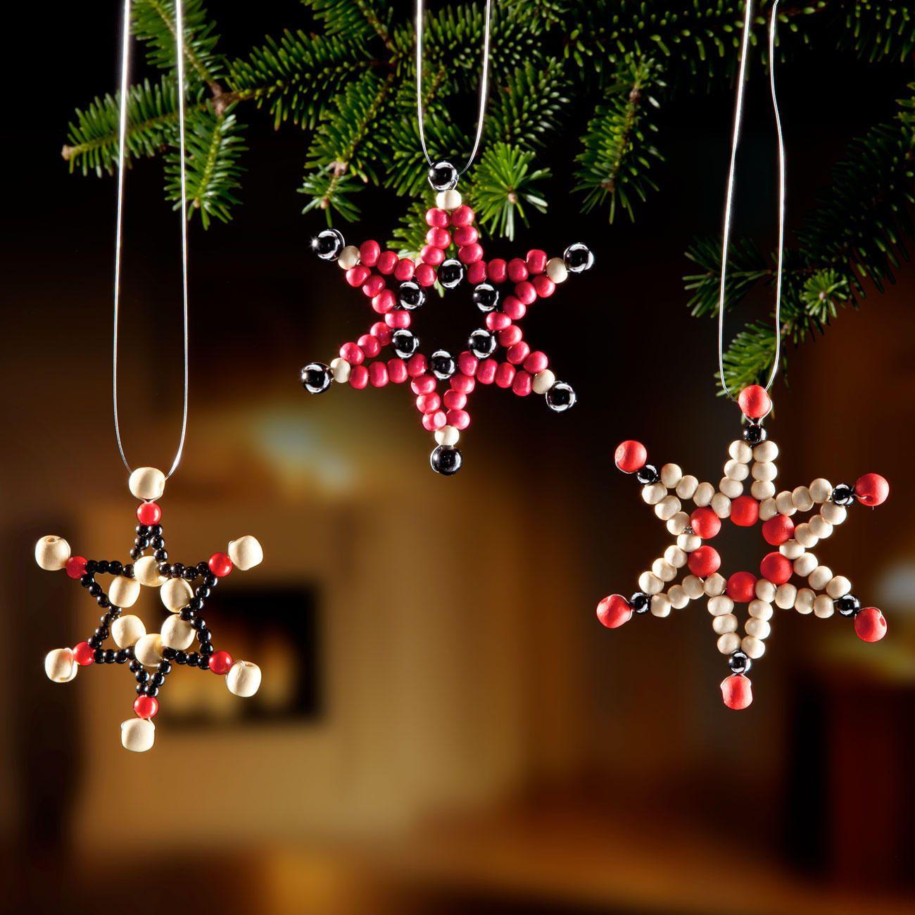 funkelnder weihnachtsschmuck aus perlen kunststoff als geschenkanh nger baum oder. Black Bedroom Furniture Sets. Home Design Ideas