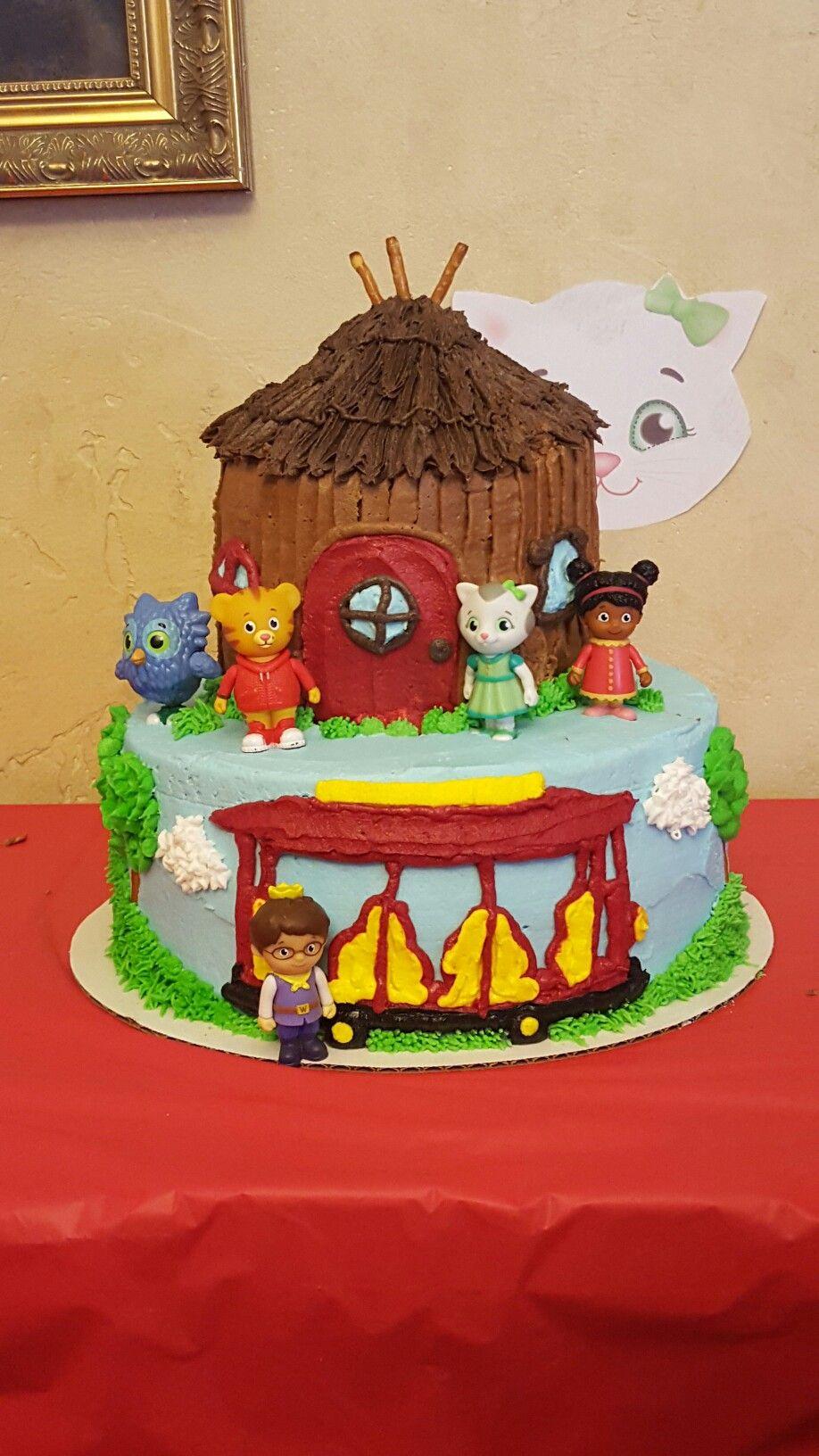 Eastons Cake Daniel Tiger Tier Cake Done In Buttercream