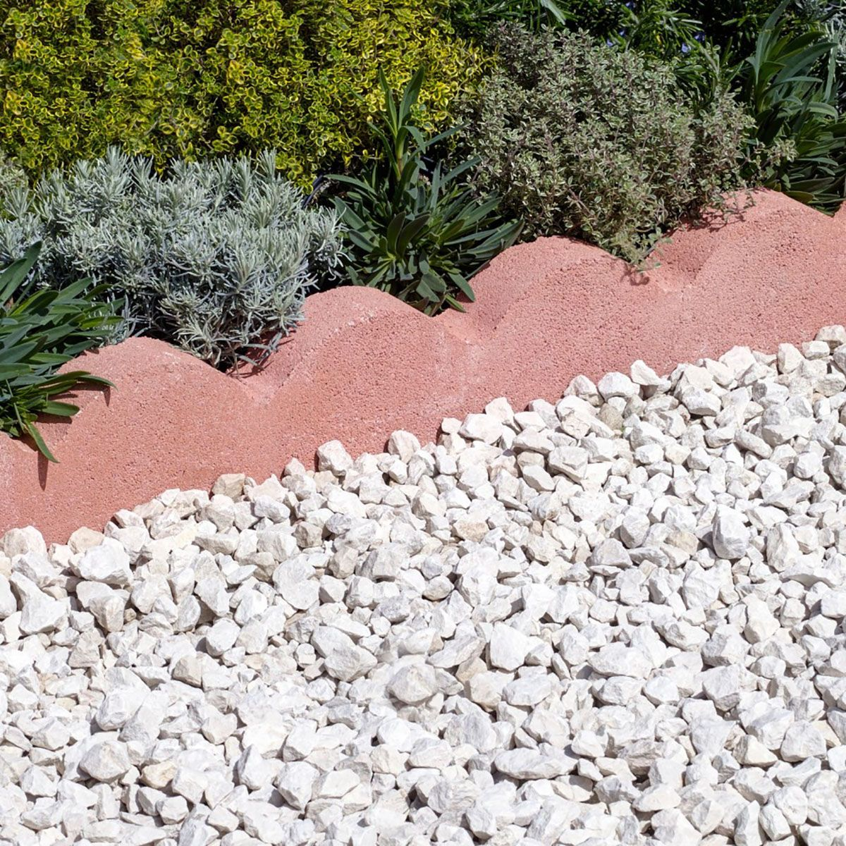 15 Outstanding Contemporary Landscaping Ideas Your Garden: Bradstone Scalloped Edgings Red 600x150x50