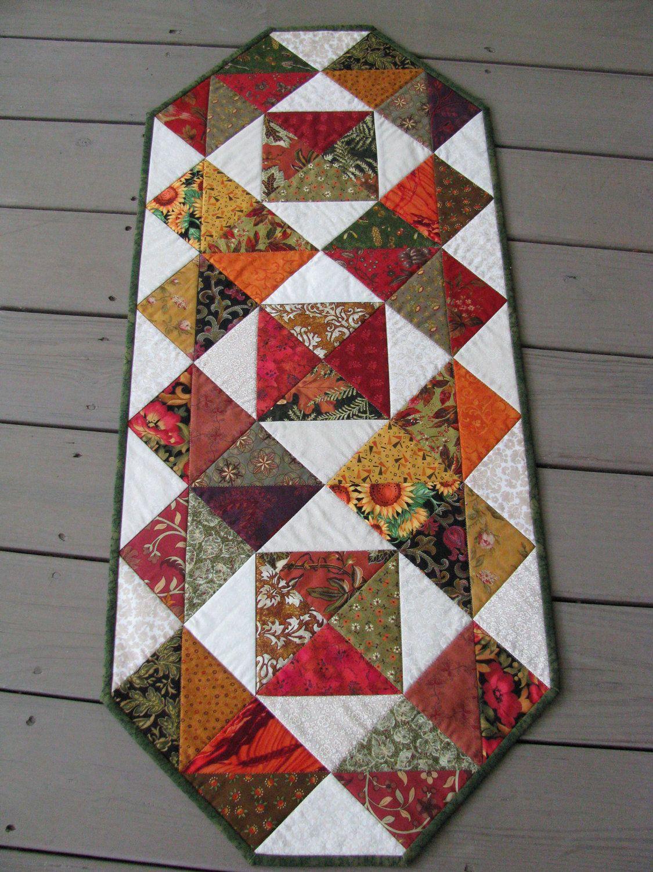 marked down fall colors patchwork quilted table runner tischl ufer und decken pinterest. Black Bedroom Furniture Sets. Home Design Ideas