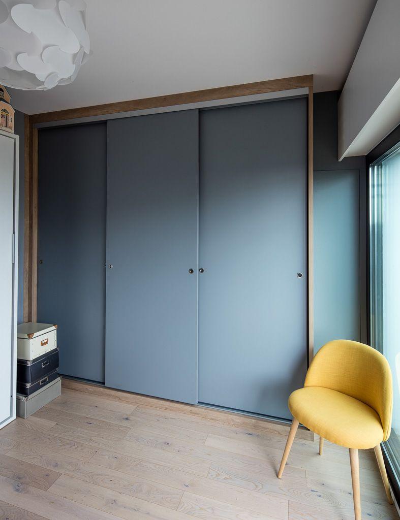 Placard Avec Portes Coulissantes Bleues Sans Profiles Aluminium Placard Chambre Enfant Porte Placard Placard Chambre A Coucher