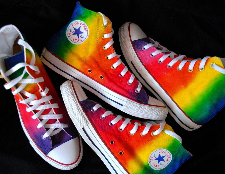 Aangepaste handpainted rainbow sneakers, gepersonaliseerde ...