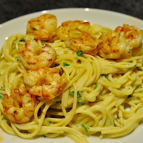 Photo of Spaghetti with shrimps in lemon butter sauce from helloina | Chef