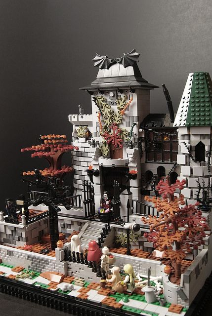 Trick or Treat at the Vampire's Castle (Lego Halloween MOC) 6 ...