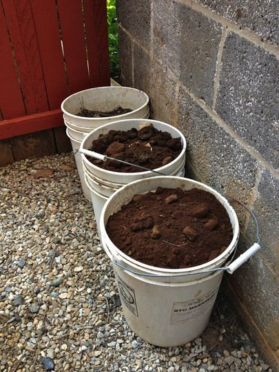 easy composting in small areas for small gardens