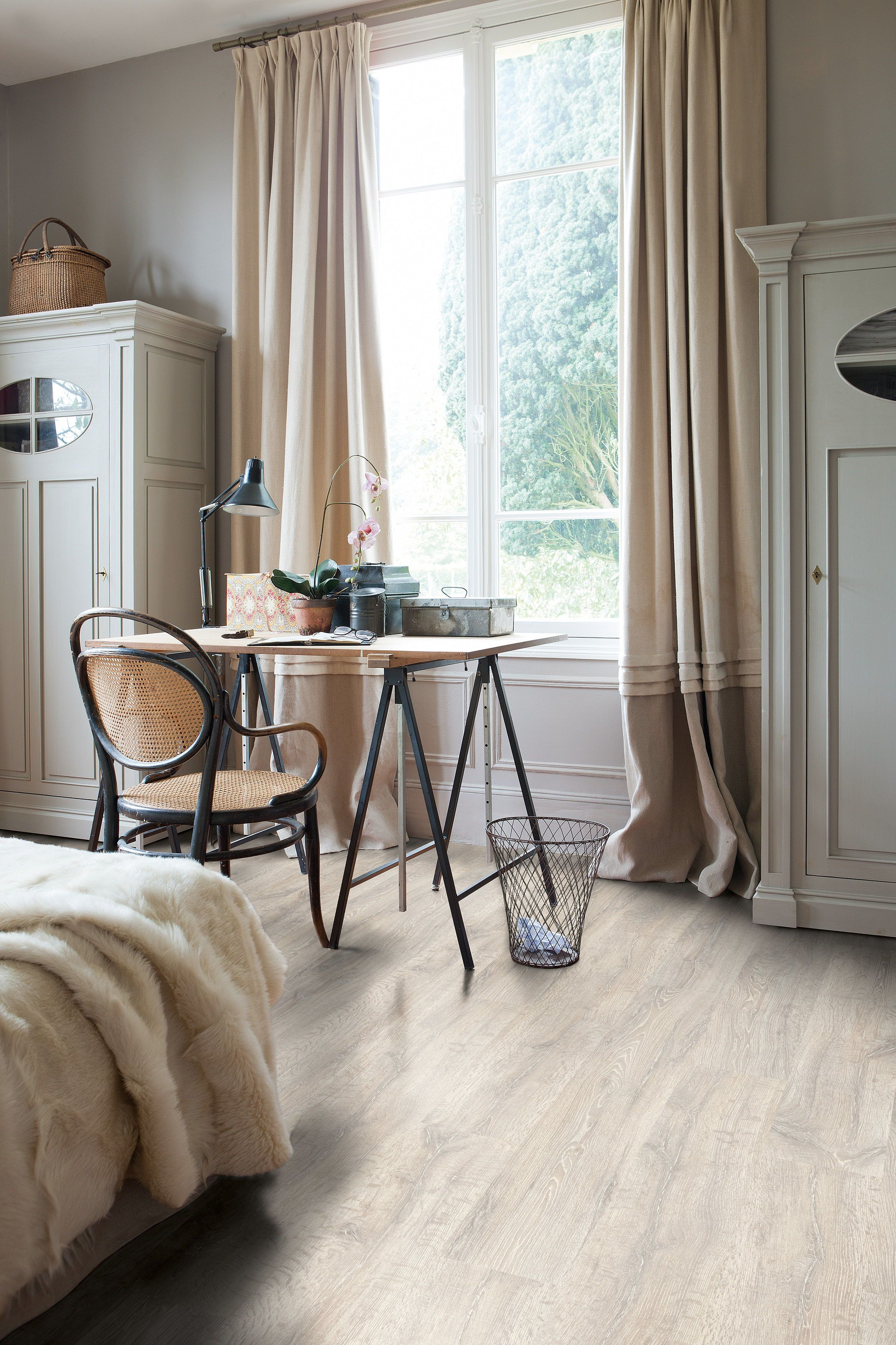 Quick Step Laminate Flooring Classic Reclaimed White Patina Oak Planks Cl1653 In A Country Office Click Here To D Bedroom Flooring Home Decor Oak Planks