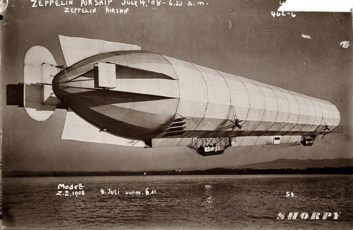 Shorpy Historical Photo Archive :: Zeppelin in Flight: 1908 | Blimps