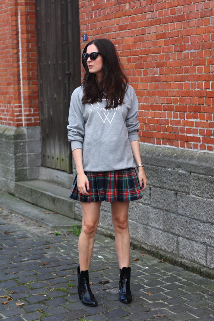 e57e47885 outfit sweatshirt plaid skirt patent boots #fallstyle | Style ...