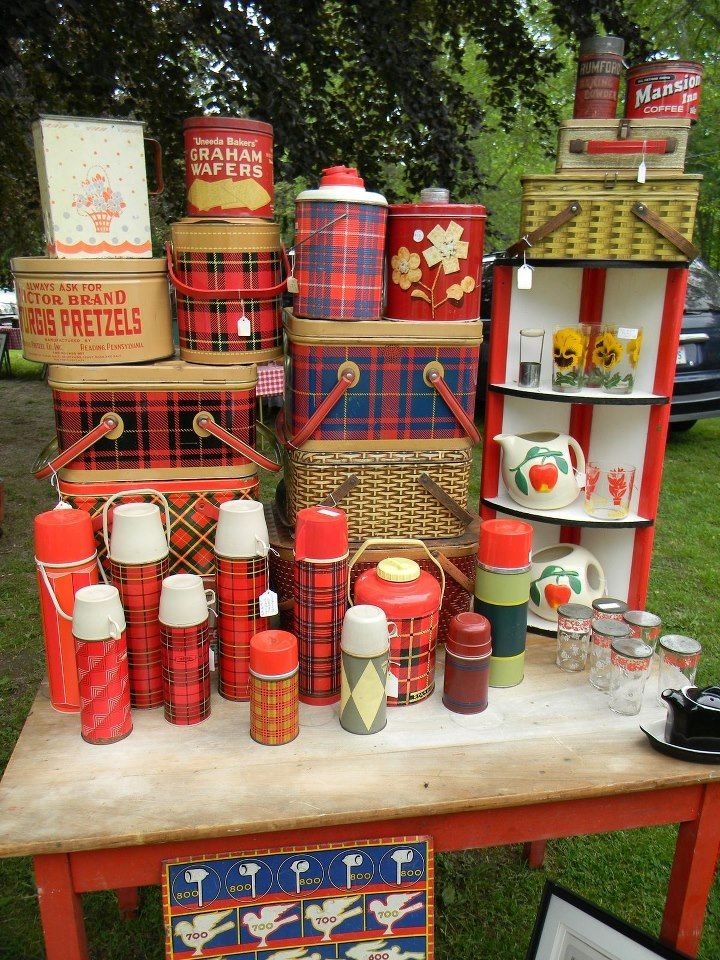 vintage plaid picnic ware not as hard to find as i thought no these are not mine things. Black Bedroom Furniture Sets. Home Design Ideas