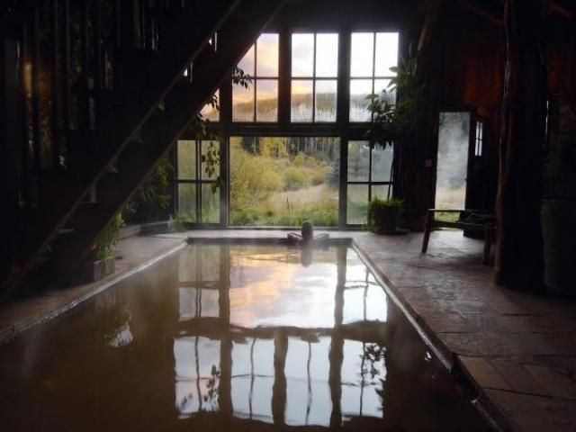 Here are 8 amazing places to stay in Colorado that will give you an unforgettable experience. Highland Haven Creekside Inn Address: 4395 Independence ...
