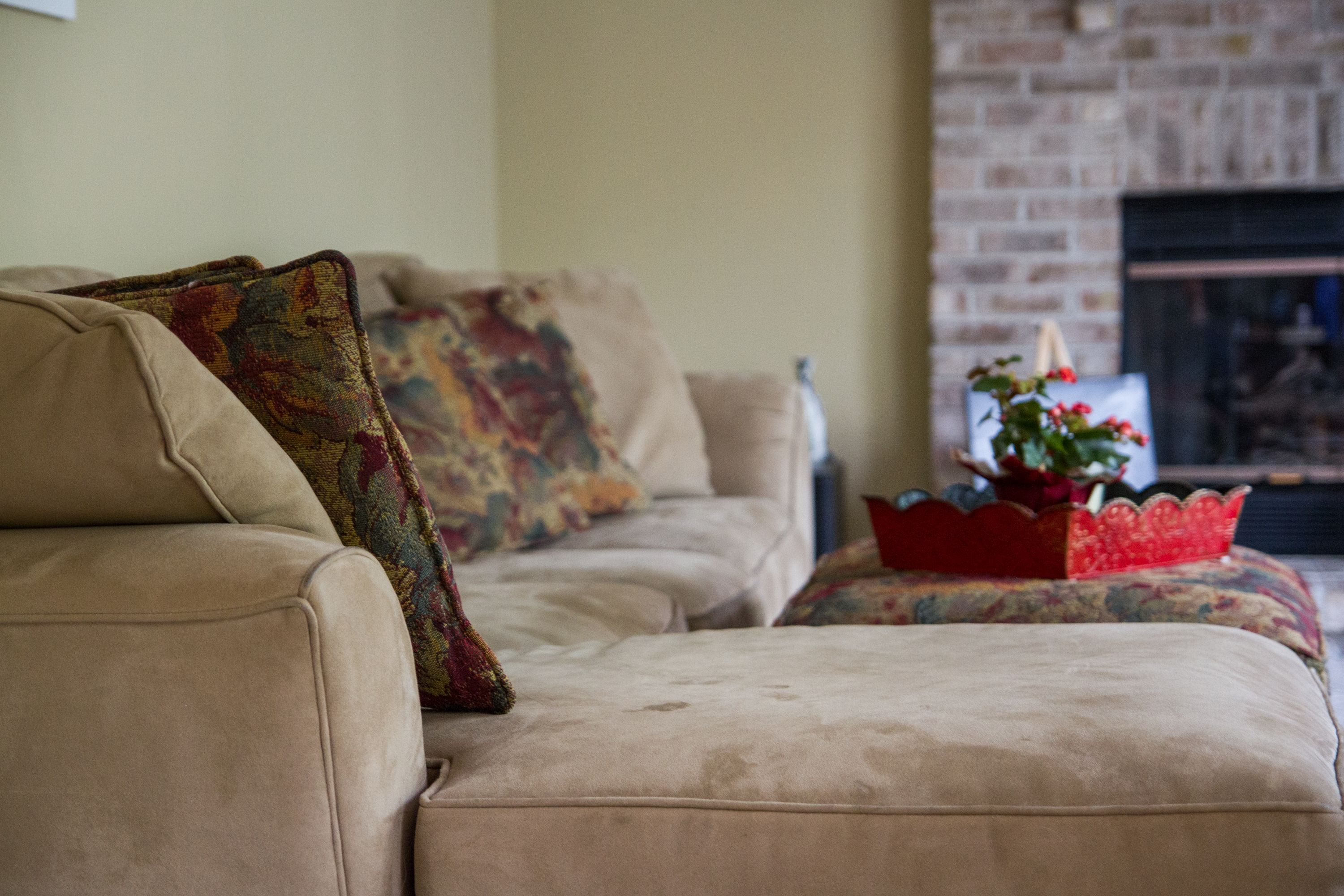How to Get a Water Stain Out of a Microfiber Couch