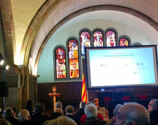 Mirall Trencat de Julianen: Escolapis de Sant Antoni, 200 anys
