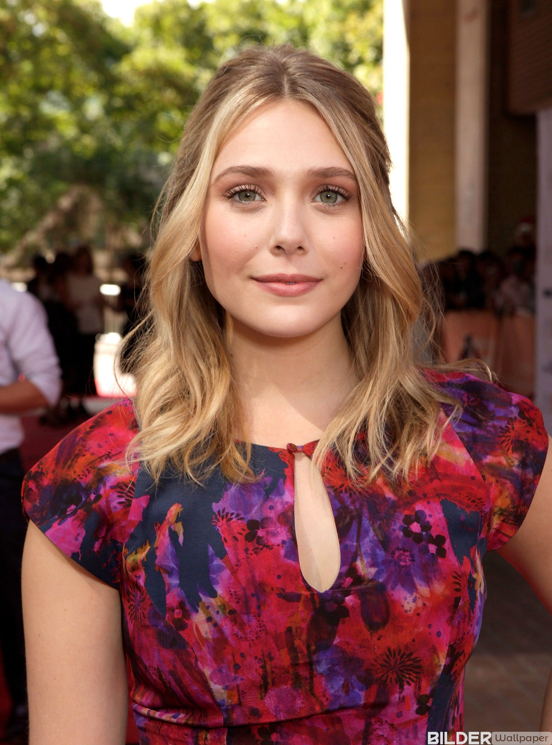 Elizabeth Olsen Bilder Und Bio Hintergrundbilder Wallpaper