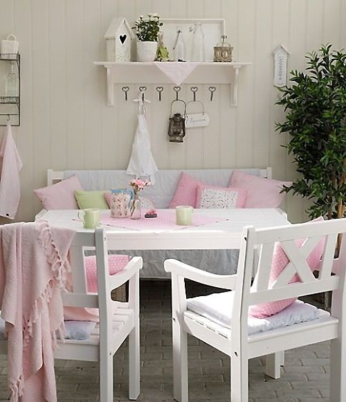 Shabby chic outdoor sitting area