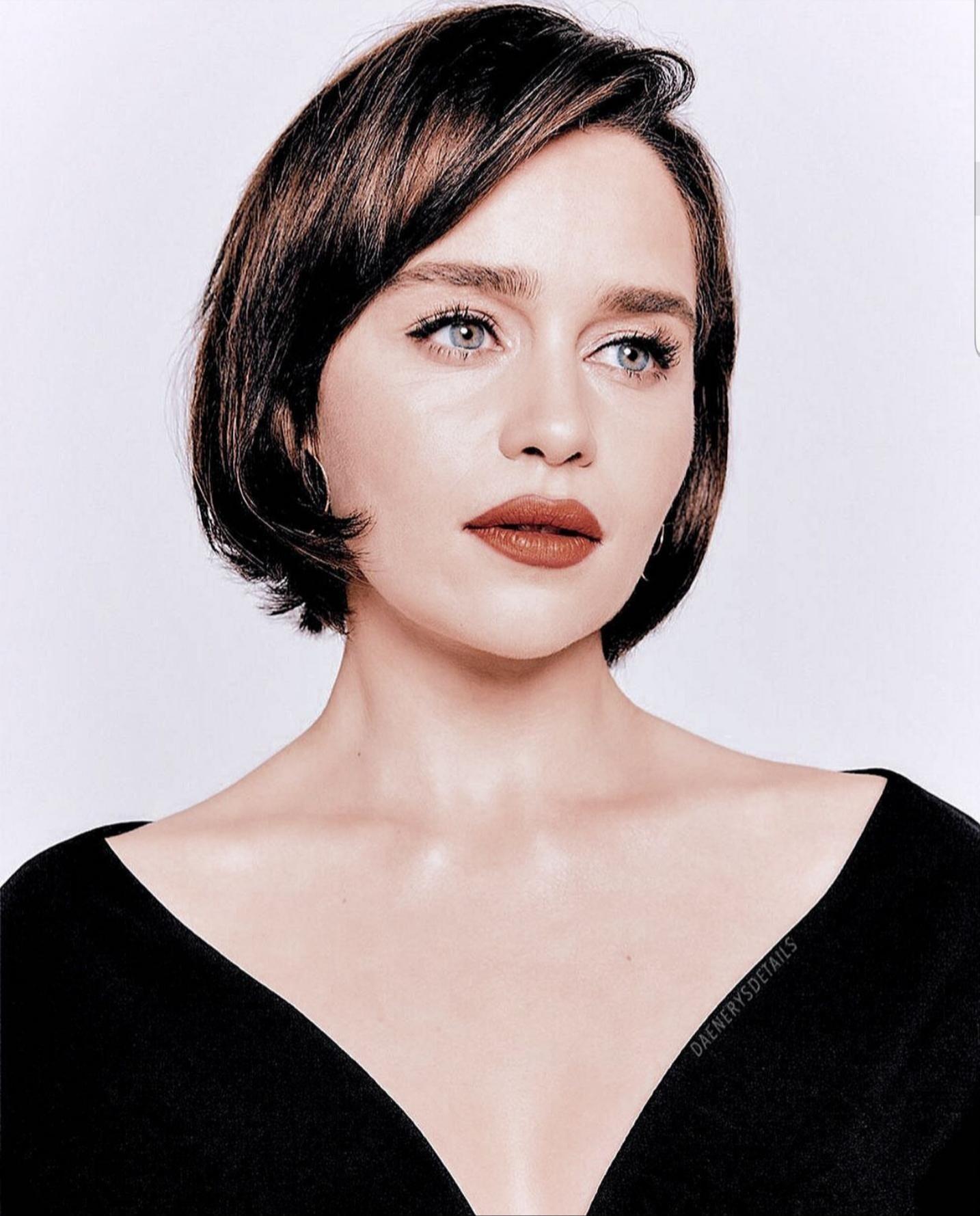 Pin By Asala Alhelaly On Emilia Clarke Emilia Clarke Short Hair Styles Portrait