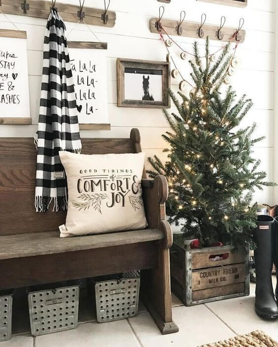 I really like the buffalo plaid in black-and-white, it's different but still captures the Christmas feel. Check out these Christmas Rustic Decorating Ideas. #Holidays #ChristmasDecorations #BuffaloPlaid #RusticChristmas #smallchristmastreeideas