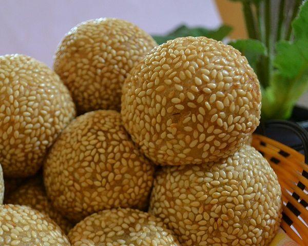 Resep Onde Onde Kacang Hijau Khas Mojokerto Salah Satu Jajanan Pasar Yang Paling Populer Di Indonesia Adalah Kue Onde Onde Resep Masakan Indonesia Resep Kacang