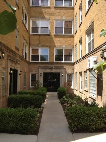 Condos/Townhomes/Duplexes+for+sale+at+2848+North+Christiana+Avenue+3s+Chicago,+IL+60618+-+MLS#+08488323+|+SearchChicago.com