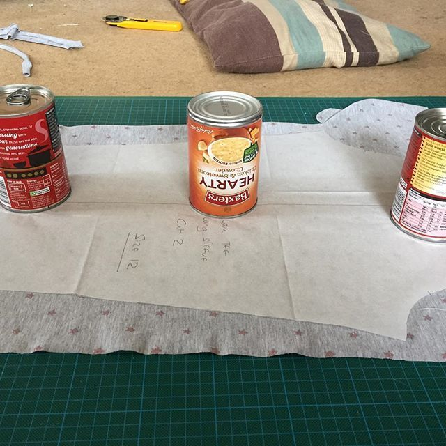 I'm thinking I might need some proper pattern weights at some time but right now tins of soup will do!  #makersgonnamake #madebyme #sewersofinstagram #handmade #larkteealifarbsmakersgonnamake,madebyme,larktee,sewersofinstagram,handmade