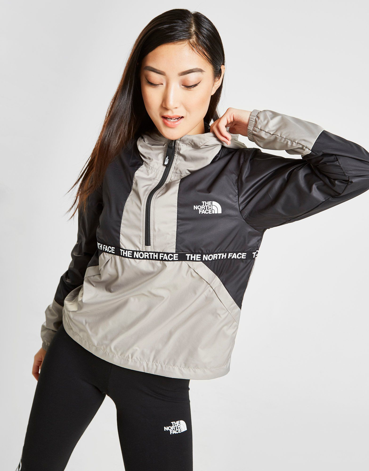 fad0f6c33 The North Face Tape 1/4 Zip Wind Jacket Dames in 2019 | Women's ...