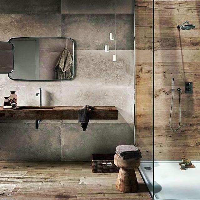 MADERAS, no solo en el suelo #arriesga #buenasnoches #goodnight #love #decoración #interiorismo #interiores #luz #light #bathroom #baño #picoftheday #trucosparadecorar #domingotarde